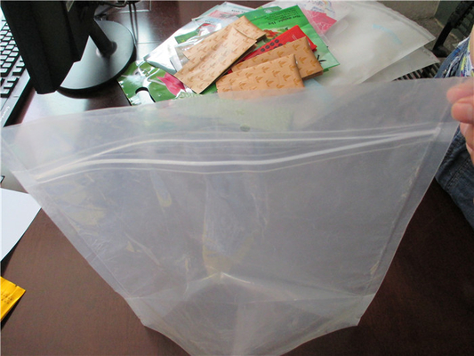 China Plastic Clear Stand Up Zipper Pouch Bags General Purpose Oxygen Resistance supplier